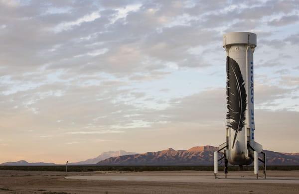 Véhicule spatial New Shepard de Blue Origin sur le site de lancement au Texas