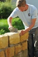 construction mur en pierre