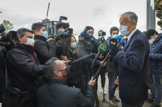Les Portugais réélisent leur président au plus fort de l'épidémie