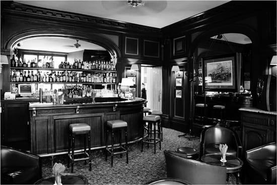 R. Café  - bar -   © New Hotel