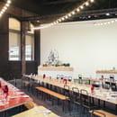Restaurant : Le Réfectoire  - L'intérieur de la Grande Halle près des maquettes de LUMA Arles. -   © Le Réfectoire