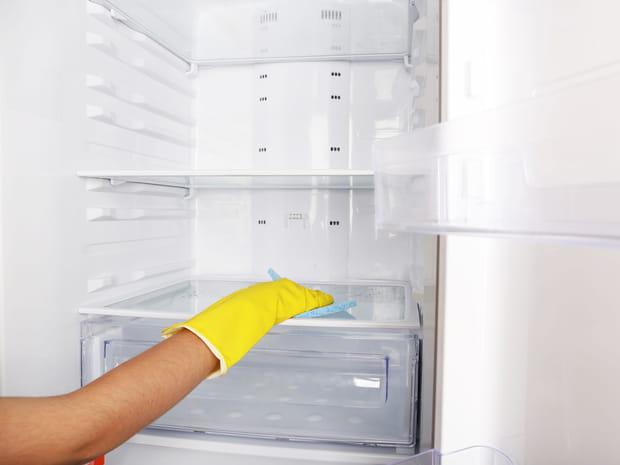 Tout ce qu'il faut savoir pour nettoyer efficacement son réfrigérateur