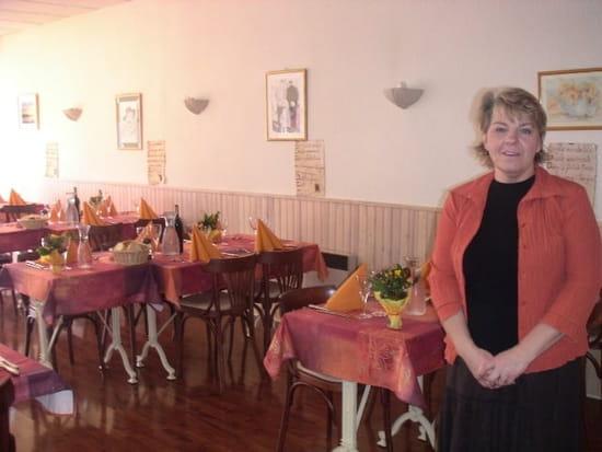 Le Val de Save  - la salle restaurant -