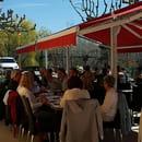Restaurant : Les Amis de la Fontaine  - Terrasse restaurant -   © evelyne leyris