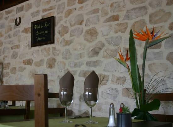 Mon ti Restô  - cadre agréable -   © coralie TERRIER