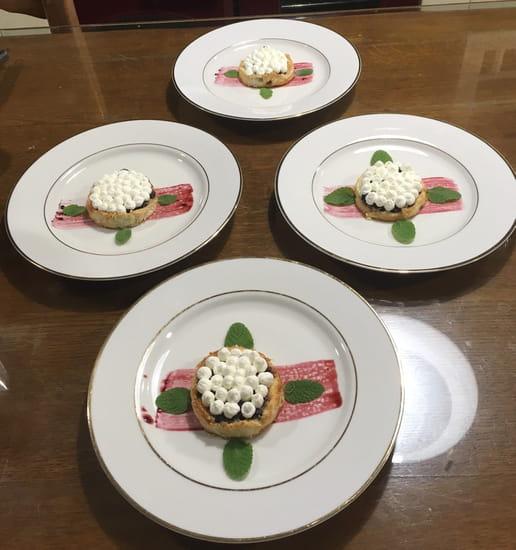 Dessert : La Table du Colombier  - Tarte maison mûres revisitées -   © Copyright