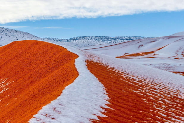 Les dunes du Sahara sous la neige