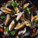 Plat : Crêperie L'Épi de Blé - Cap Malo  - Moules marinières - frites -   © -