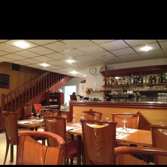 Restaurant : Restaurant le 7/10  - La. Salle principale ( au rdc) -