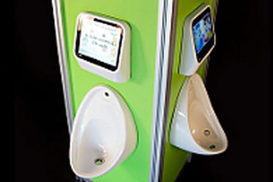 Des jeux vidéo dans les toilettes des pubs anglais