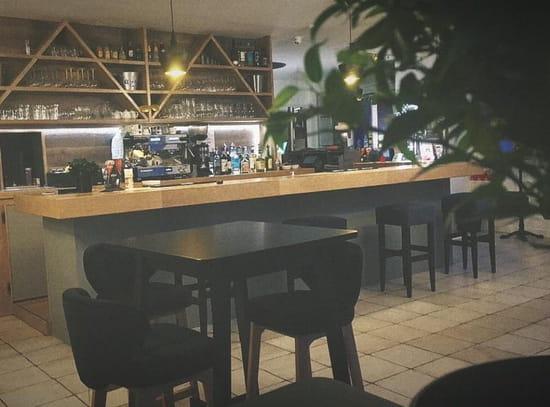 Restaurant : Le Point du Jour  - Salle intérieur -   © Pdj