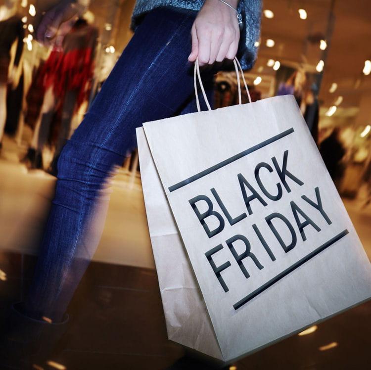 10 moments pour acheter votre billet d avion moins cher. Transport. Le  Black Friday a lieu tous les ans au lendemain de Thanksgiving. 789f3526a936