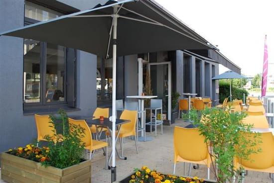 Gustum  - Restaurant acieries -   © L. Reynaud