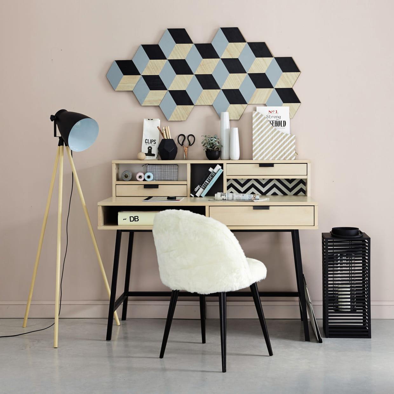 un bureau graphique avec compartiments. Black Bedroom Furniture Sets. Home Design Ideas