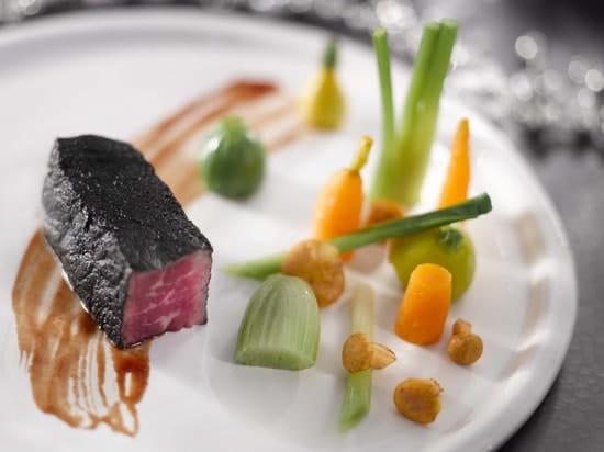 Les Clefs d'Argent  - Boeuf charbon / petits légumes -   © les clefs d'argent