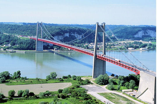 Pont de Tancarville: 50ans en images