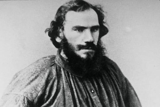 """Léon Tolstoï: biographie courte de l'auteur de """"Guerre et Paix"""""""