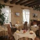 Auberge de Tavel  - Salle de restaurant -   © alain Denize
