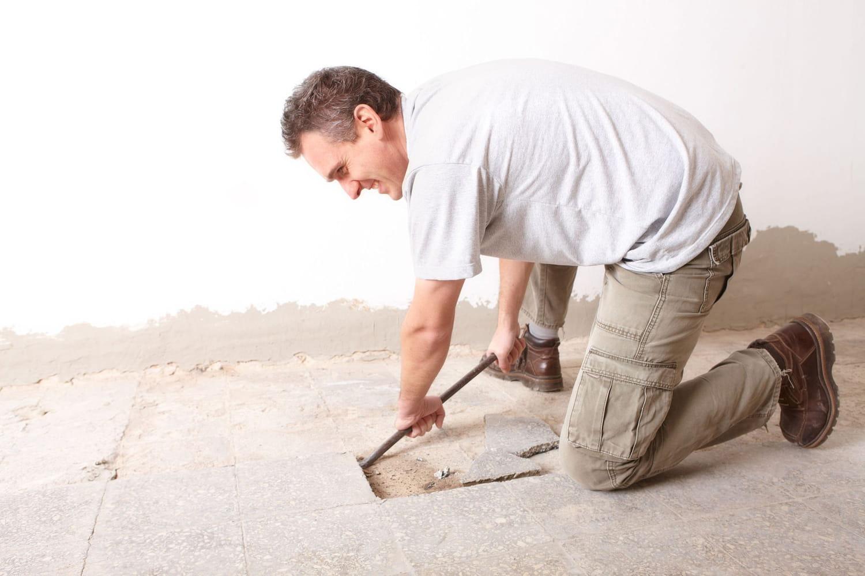 Enlever du carrelage au sol: marche à suivre et conseils