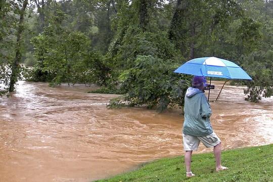 """Ouragan Florence: de nouveaux """"gros dégâts"""" sont attendus"""