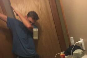 Selfie sans les mains: la nouvelle tendance des jeunes