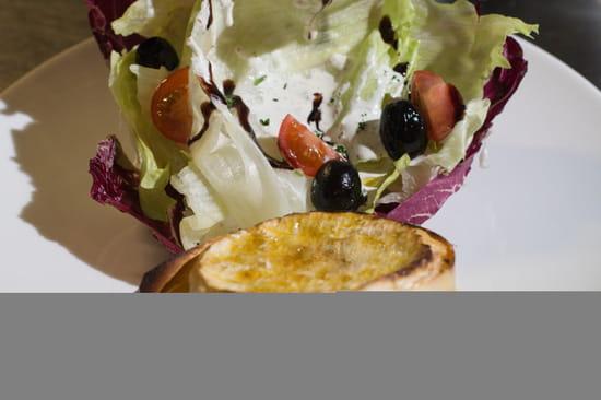 Entrée : Le Tir Bouchon Montorgueil  - camembert roti à l'huile de truffe -   © Copyright*
