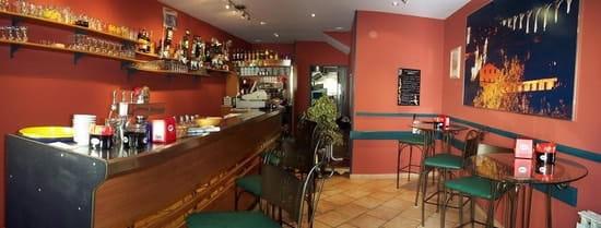 Le Café de l'Union  - le bar -   © linguehelt nathalie