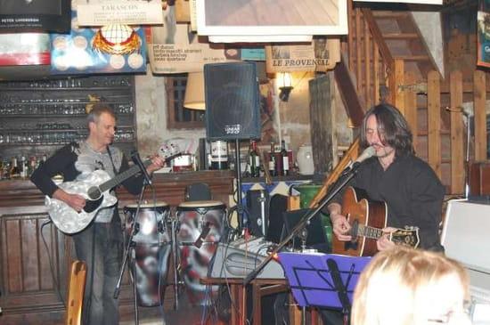 Chez Bob  - avec de la musique -   © Gérard