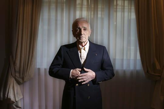 Charles Aznavour et Michel Polnareff s'envoient mutuellement des piques
