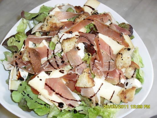 Pizzéria Le Volcanique  - humm la belle salade -