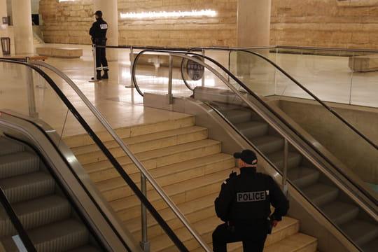 Attentat au musée du Louvre: ce qu'il faut retenir