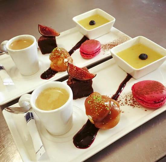 Dessert : La Crémaillère  - Café Gourmand -   © Shannon Peyrade