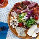 Plat : Vilcena  - Une planche mixte composée de bons produits grecs et italiens -   © Sandy