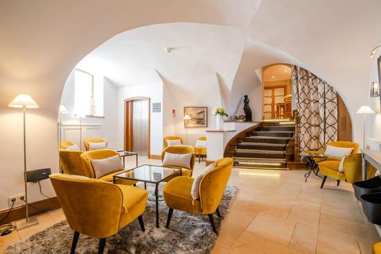 Entrée : Maison Lameloise  - Salon -   © Flore DERONZIER