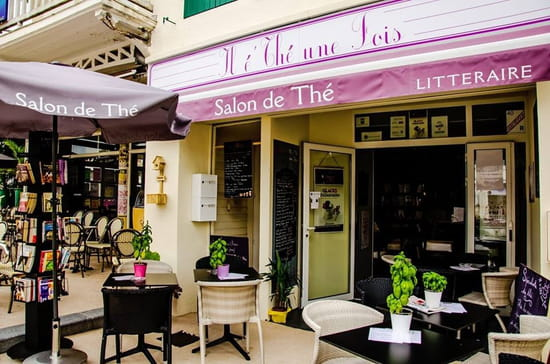 Il é'thé une fois  - terrasse salon de thé -   © Monika Křenová.