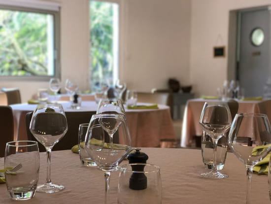 Restaurant : Auberge L'Amandin  - salle restaurant -   © amandin