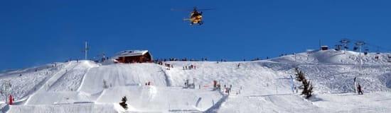 Terres Rouges  - Restaurant d'altitude Le Grand Bornand, pistes de ski du Maroly -   © arvimedia