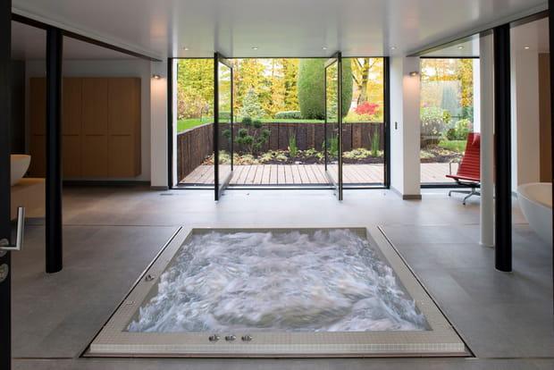 un spa d 39 int rieur ou d 39 ext rieur. Black Bedroom Furniture Sets. Home Design Ideas