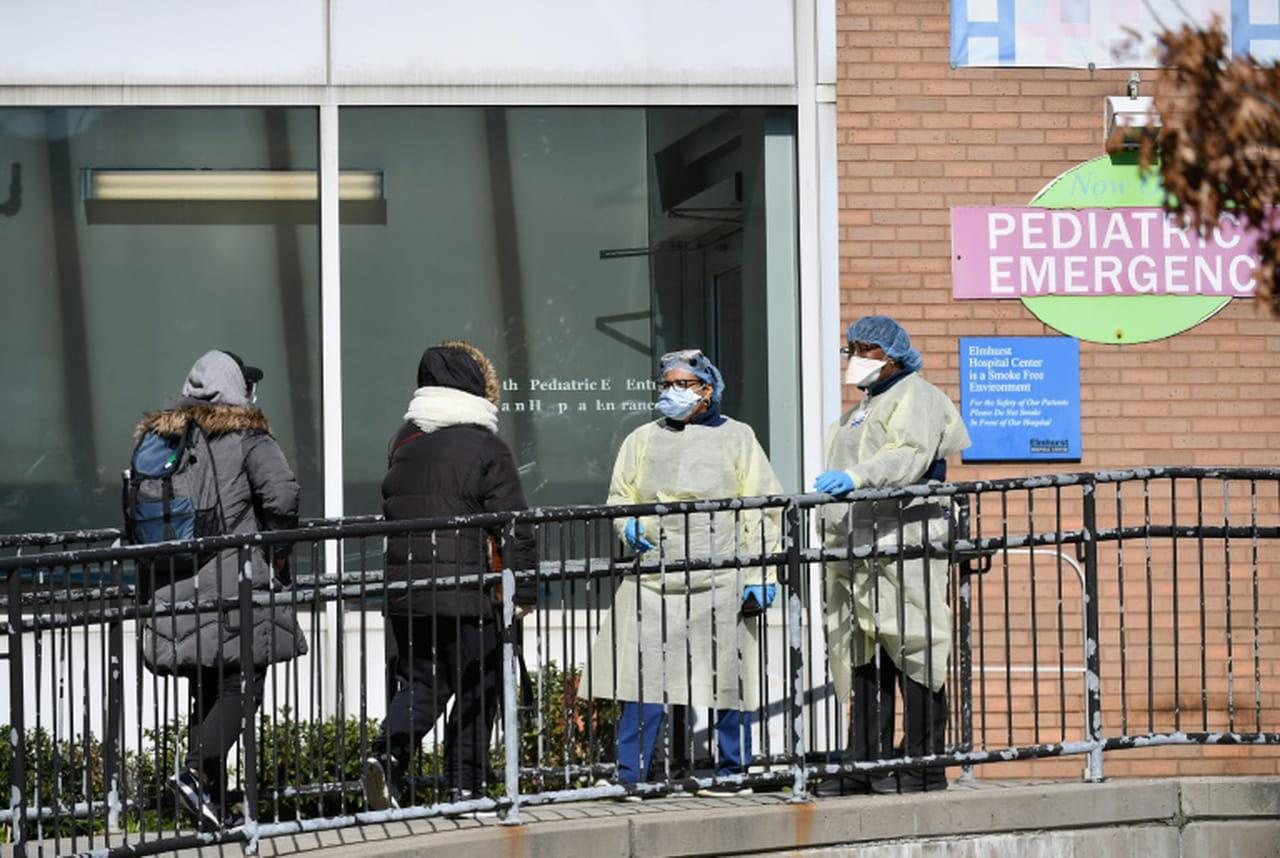 Coronavirus: plus de 1.000morts aux Etats-Unis, le chômage explose
