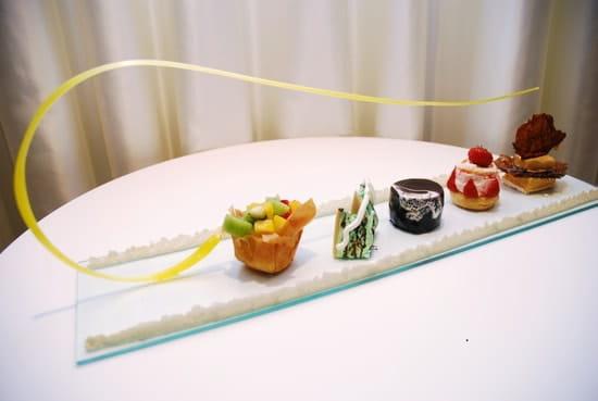 Le Palace Elysée  - Dessert d'exception de son créateur, l'Avalanche. -   © Yvan Le Pape