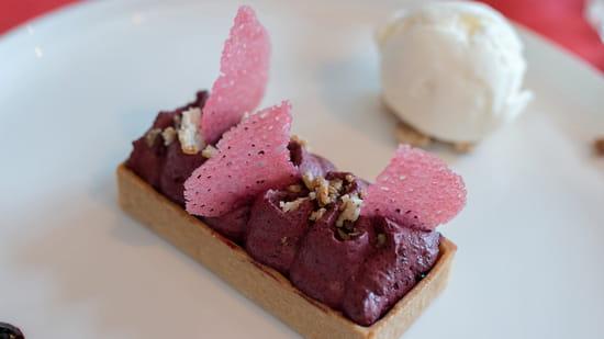 Dessert : Chalet des 2 Lacs  - Tartelette Myrtille, glace au lait de montagne -   © Chalet des 2 Lacs