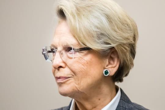 Michèle Alliot-Marie mise en examen: de quoi est-elle accusée?