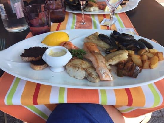 Plat : Le Bagatelle  - Assortiment de poissons , crevettes, moules....:) -