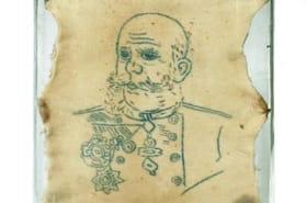 Des morceaux de peaux tatouées font l'objet d'une exposition