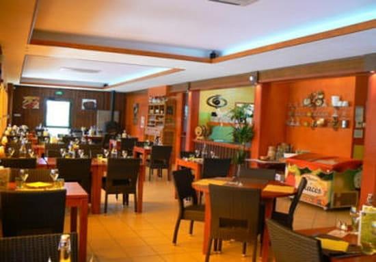Bar-restaurant-Traiteur Les Pieds dans l'Plat  - salle du restaurant-traiteur les pieds dans l'plat -