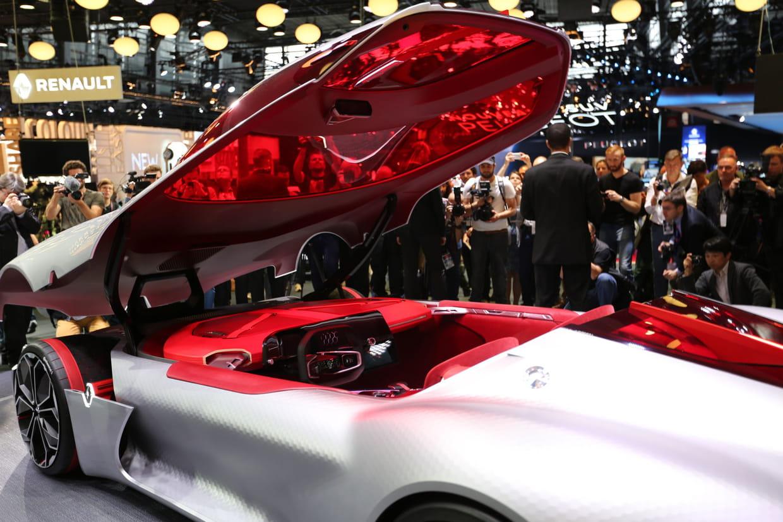 Une renault autonome en 2020 for 5 star mobile salon