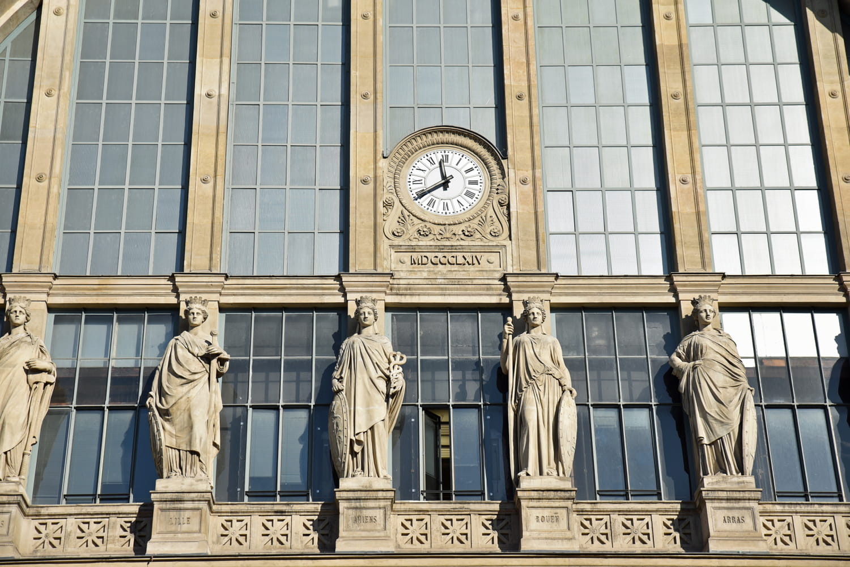 Gare du Nord: trafic des trains, horaires, accès métros et RER, plan