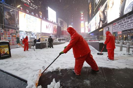 New York: les images spectaculaires de la tempête Stella