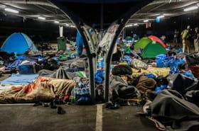 A Lesbos, les rues peu à peu vidées de milliers de réfugiés sans abri