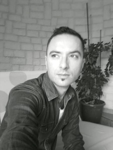Damien Simon